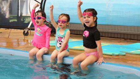 aquatics swim school 3 girls