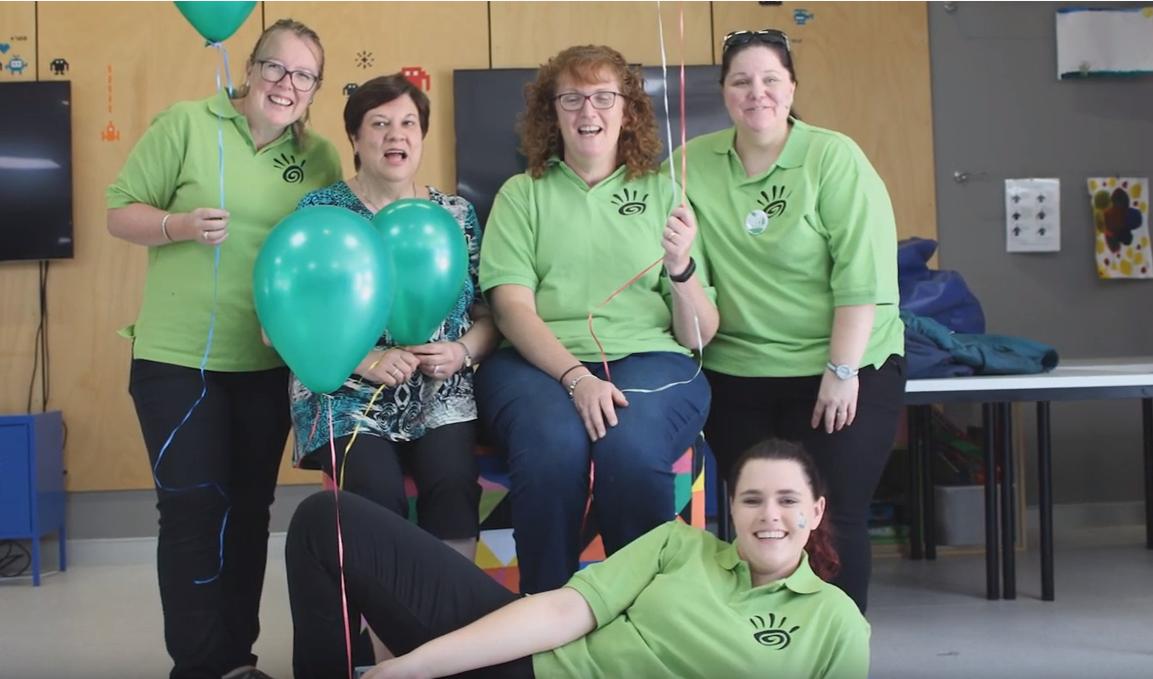 volunteers green shirts